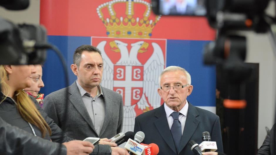 Serbia rehabiliton establishmentin ushtarak të përfshirë në krime lufte në Kosovë