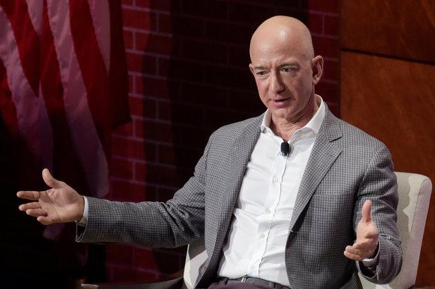 Jeff Bezos bëhet njeriu më i pasur në historinë moderne të njerëzimit