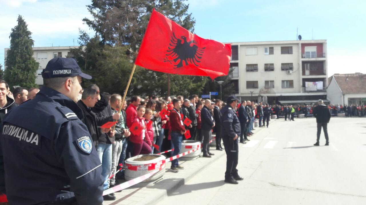 Shqiptarët e Preshevës kërkojnë trajtimin e çështjes së tyre në dialogun Prishtinë Beograd