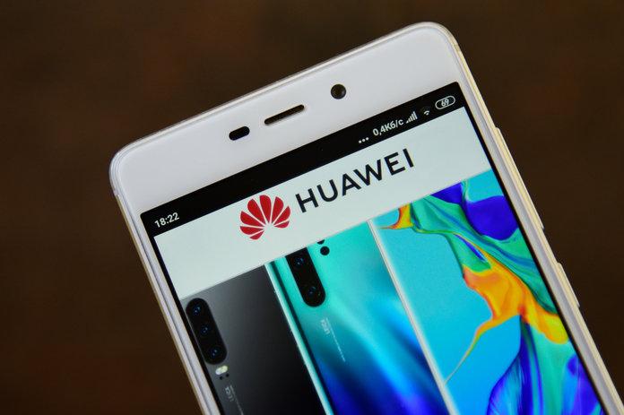 Luftë globale kinezes Huawei  Google i bllokon shërbimet