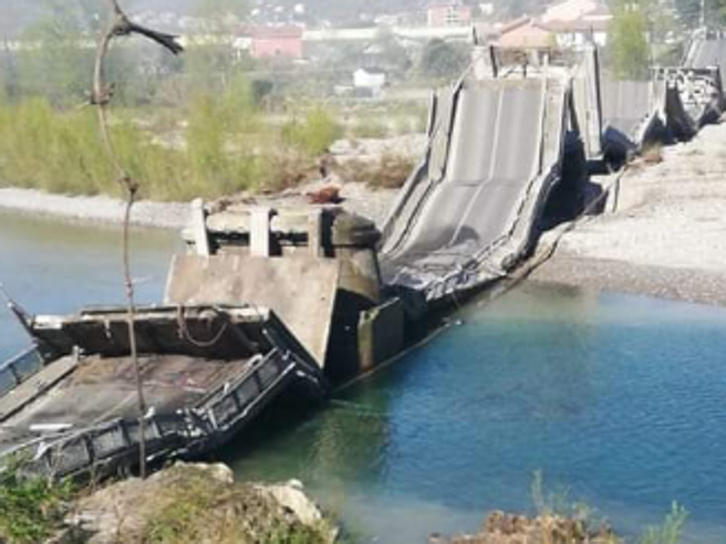 Rrëzohet tjetër urë në Itali