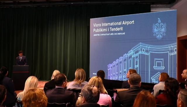 Qeveria pezullon tenderin ndërkombëtar për aeroportin e Vlorës